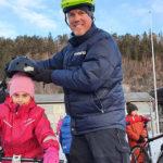 Suksess med vintersykling for småskolebarna